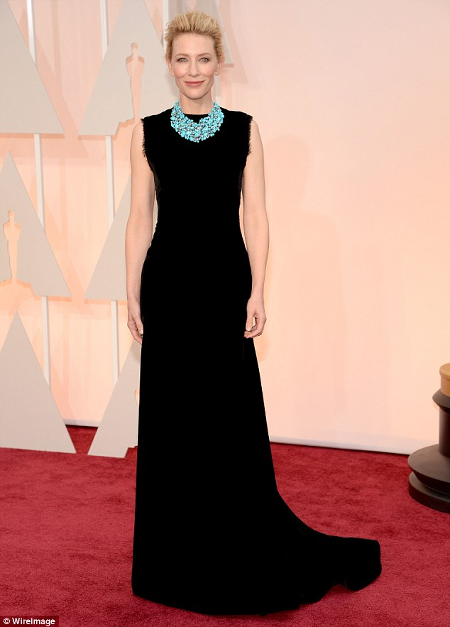 25F7A29800000578-2964551-Statuesque_Cate_Blanchett_stuns_in_a_long_black_sophisticated_Jo-m-19_1424653704835